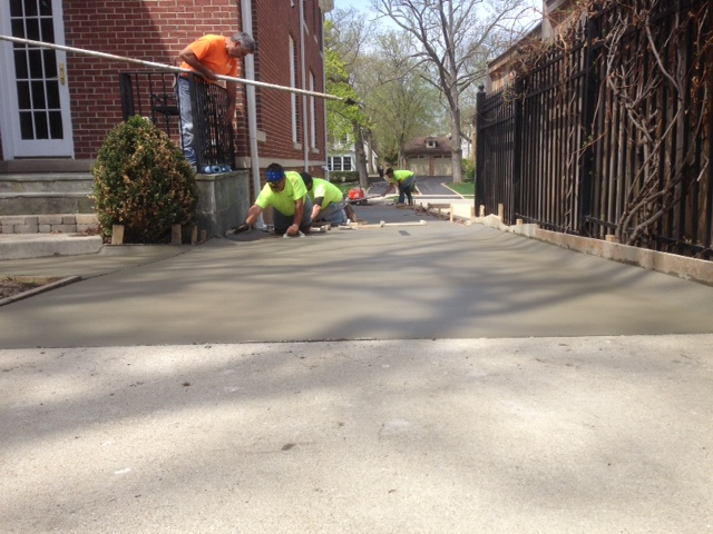 finishing off a concrete driveway